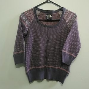 3/10$ The North Face  girl sweater
